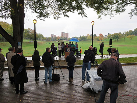 Press Conference In Lincoln Park