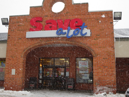 Delaware Avenue Save-A-Lot In A Snow Squall