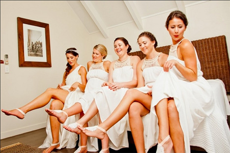 Barefoot Weddings Have Become The Thing: Showing Off Foot Adornments