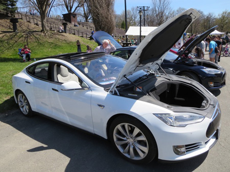 The Tesla Is Definitely A Babe Magnet